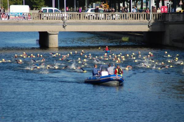 Ouverture de la saison natation 2012-2013: Premières compétitions de Joé avec le CNVS.