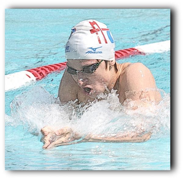 """Championnats de France """"minime"""" de natation 2013, à Béthune: Joé entre en lice."""